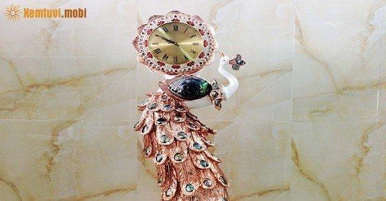 Đồng hồ trang trí bằng đá cẩm thạch hợp với phong thủy mệnh Thổ
