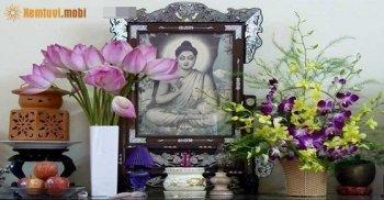 Nên cắm hoa gì trên bàn thờ gia tiên, bàn thờ phật theo phong thủy
