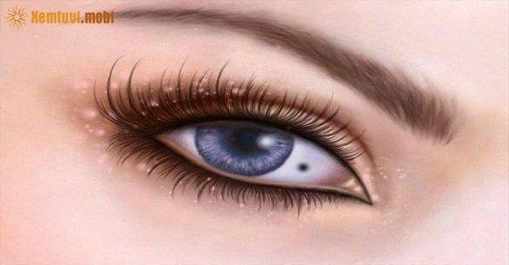 Nốt ruồi trong mắt là tướng số có cuộc sống giàu sang, phú quý