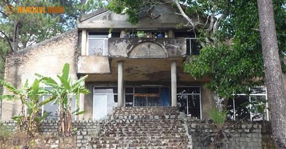 Ngôi biệt thự ma ám gây sự tò mò của người dân và khách du lịch Đà Lạt